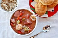 This weekend a storm is moving in. I'm hoping for some snow. To make my wishes for a White Christmas come true. Then I can snuggle up in my blankey with a big bowl of this warm gumbo and watch Frosty the Snowman.