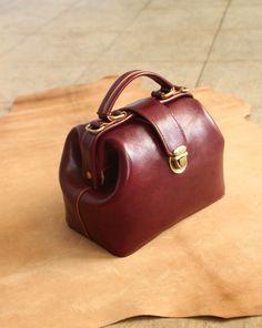 Vintage Doctor Bag (wine red)