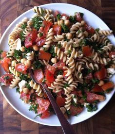 Tabbouleh Whole Wheat Pasta Salad - The Lemon Bowl. Looks yummy & with minor alterations, simply - filling - friendly.