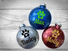 LARGE Personalized Pet Glitter Ornament - Custom gift for friends family coworkers and pet lovers LA Vinyl Christmas Ornaments, Glitter Ornaments, Dog Ornaments, Diy Christmas Gifts, Christmas Tree Ornaments, Custom Ornaments, Handmade Ornaments, Felt Christmas, Homemade Christmas
