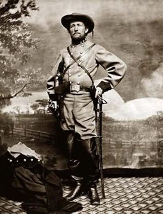 Civil War Photo of Confederate Colonel, John Singleton Mosby. The highest honor that a Confederate soldier could receive was being mentioned in dispatches. Mosby was mentioned favorably in more dispatches than any of his fellow rebel fighters. Western Film, American Civil War, American History, Old Pictures, Old Photos, Carolina Do Sul, Confederate States Of America, Confederate Leaders, Confederate Monuments