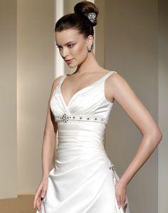 Fall 2011 Wedding Dress Collections by Fara Sposa - Photos 16 : Fall 2011 Wedding Dress Collections by Fara Sposa – Photos 16