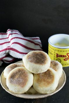 Learn how to make English Muffins! This homemade English Muffin recipe you give you better than store bought ones! English Muffin Pizza, English Muffin Recipes, Homemade English Muffins, Quick Bread Recipes, Breakfast Items, Us Foods, Cooking Time, Good Food, Favorite Recipes