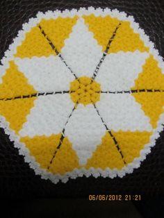 Sarı beyaz altıgen lif modeli