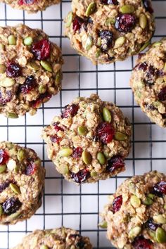 Superfood Breakfast Cookies - Wife Mama Foodie These cookies are jam-packed with nutritious ingredients and healthy enough for breakfast on the go! They're free of gluten, dairy, & refined sugar, and also vegan friendly! Healthy Cookies, Healthy Sweets, Healthy Baking, Cookies Vegan, Healthy Breakfast Cookies, Oatmeal Breakfast Cookies, Healthy Muffin Recipes, Breakfast To Go, Sugar Free Cookies