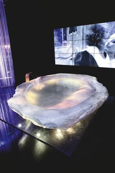 Want to see more geode and crystals used in interior design? This post features the magical use of nature in the home. Dream Bathrooms, Dream Rooms, Beautiful Bathrooms, Luxury Bathrooms, White Bathrooms, Master Bathrooms, Contemporary Bathrooms, House Goals, Bathroom Interior