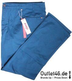 Stretch-Hose aus dem Hause sheego mit 2 seitlichen Eingrifftaschen, durch den schlichten Look perfekt zu Kombinieren. #hose #damen #blau #shopping #outlet46 Sheego, Khaki Pants, Fashion, Trousers, Blue, Moda, Khakis, Fashion Styles, Fasion