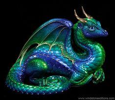 Lap Dragon – Emerald Peacock Beautiful Windstone dragon