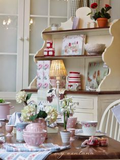 """""""today feels like a cottage kind of day"""" Cocina Shabby Chic, Shabby Chic Kitchen Decor, Estilo Shabby Chic, Modern Country Style, Country Style Homes, Country Decor, French Country, Laura Ashley, Shabby Chic Boutique"""