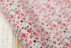Tissu japonais fleuri type Liberty rouge rose gris Sakura 147*50 cm : Tissus pour Patchwork par yoshiiii