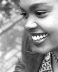 Jill Scott and her beautiful smile. Beautiful Smile, Beautiful Black Women, Beautiful People, Beautiful Ladies, Jill Scott, Neo Soul, Female Singers, Music Is Life, In This World