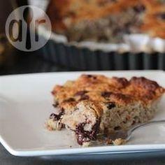 Bananenkuchen glutenfrei mit Honig - Die Bananen werden vor der Verwendung im Ofen geschmort, das intensiviert den Geschmack. Der Kuchen wird ohne Mehl und Milchprodukte gemacht und mit Honig natürlich gesüßt.@ de.allrecipes.com