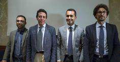 L'incontro in diretta streaming tra Matteo Renzi e i rappresentanti Movimento Cinque Stelle ha portato in luce importanti spunti di comunicazione politica, oltre che di media training. L'aspetto dialettico soprattutto ha mostrato quanto ancora ci sia da lavorare nel movimento grillino.  Scopriamone di più su (http://mistermedia.it/comunicazione-politica-perche-si-perde-un-confronto-dialettico/)   #comunicazionepolitica #dialettica #mediatraining