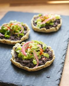 These homemade sopes are a traditional Mexican recipe that are easy to make for flavorful healthy meals. Bonus: it's also a vegan recipe. | dinner recipes | healthy dinner recipes | vegetarian recipes | vegan recipes | mexican food recipes | cinco de mayo food | #sopes #Mexican #vegan #veganrecipe #blackbeans #dinner Vegetarian Recipes Easy, Delicious Dinner Recipes, Mexican Food Recipes, Cooking Recipes, Healthy Recipes, Healthy Meals, Vegetarian Mexican, Healthy Eating, Sopes Recipe