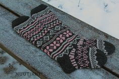 NuuTikki: Kirjoneulesukat Crochet, Fashion, Moda, Fashion Styles, Ganchillo, Crocheting, Fashion Illustrations, Knits, Chrochet