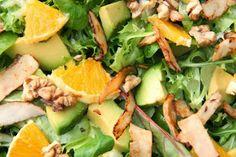 Kuchnia w wersji light: Sałatka z pomarańczą, awokado i orzechami Aga, Cobb Salad, Cantaloupe, Grilling, Food And Drink, Lunch, Cooking, Healthy, Bakken