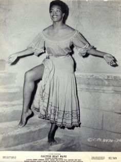 Maya Angelou and The Paradox of the Sacred Whore Vintage Black Glamour, Vintage Beauty, Women In History, Black History, My Black Is Beautiful, Beautiful People, Beautiful Women, African American Women, American History