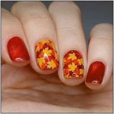25 Leaf Nail Art Designs To Try This Fall Nail art is the very best invention in the beauty the appearance of nails drastically. Acrylic can grow your nails in a few minutes and the very best Fall Nail Art Designs, Nail Polish Designs, Nails Design, Autumn Nails, Winter Nails, Nailart, Thanksgiving Nail Art, Beach Nails, Holiday Nail Art