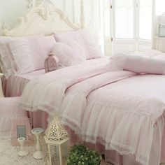 Bed Linen And Curtain Sets Pink Bedding Set, Chic Bedding, Luxury Bedding, Bedding Sets, Modern Bedding, Queen Size Bed Sets, Where To Buy Bedding, Hotel Collection Bedding, Bedding Master Bedroom