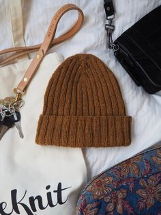 Ravelry: The Hipster Hat pattern by PetiteKnit Beanie Knitting Patterns Free, Knit Beanie Pattern, Easy Knitting, Style Pastel, Hipster Beanie, Black Hipster, Hipster Tops, Style Grunge, Grunge Look