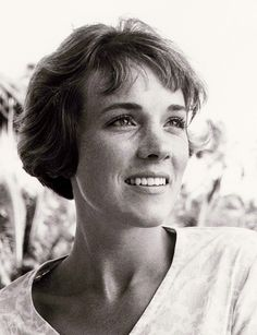 Julie Andrews - photo