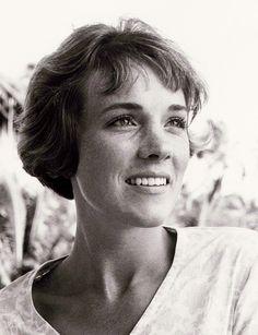Julie Andrews - photo