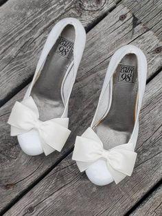 Rhinestone Shoes, Silver Shoes, Bridal Wedding Shoes, Decorated Shoes, Everyday Shoes, Bow Shoes, Shoe Clips, Pretty Shoes, Wedding Accessories