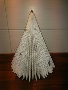 Handmade by HeidiH: Joulukalenterin luukku Book Art, Ceiling Lights, Candles, Pendant, Handmade, Crafts, Vintage, Home Decor, Christmas