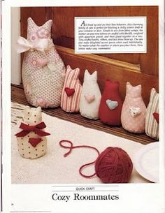 Cats in a row door draft stop Cat Crafts, Kids Crafts, Diy And Crafts, Arts And Crafts, Sewing Toys, Sewing Crafts, Sewing Projects, Draft Stopper, Cat Doll