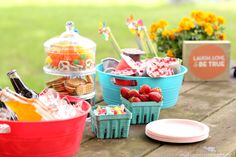Kick off planting season with a gorgeous garden party and celebrate the kid in everyone with a fun pudding bar! #snackpackmixins #ad