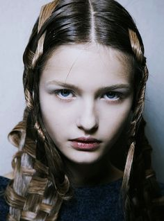 Kristina Romanova @ Alexander McQueen Spring 2011