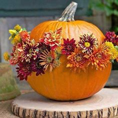 Halloween Flower Arrangements In Ceramic Pumpkins 3 Ideas