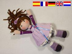 Crochet pattern for doll MIA (Deutsch, English, Français, Español, Nederlands) by CAROcreated on Etsy https://www.etsy.com/listing/486356939/crochet-pattern-for-doll-mia-deutsch