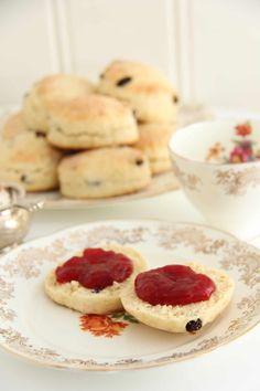Britiske scones - My Little Kitchen Clotted Cream, Crumpets, Little Kitchen, Scones, Pancakes, Muffins, Cookies, Breakfast, Desserts