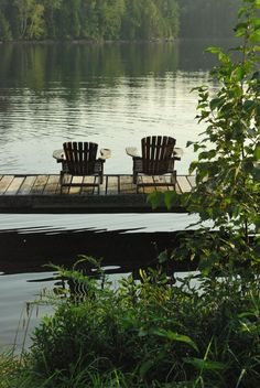 Adirondack chairs for the lake house. Outdoor Spaces, Outdoor Living, Outdoor Decor, Outdoor Seating, Peaceful Places, Beautiful Places, Simply Beautiful, Vie Simple, Haus Am See