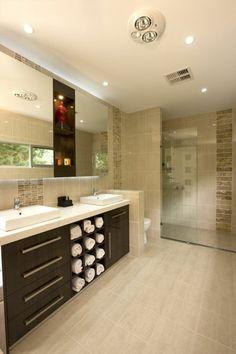 Plaquette de parement pierre naturelle beige elegance dans la salle de bain - Faience sdb leroy merlin ...