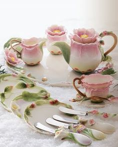 Beautiful Cottage Tea Set