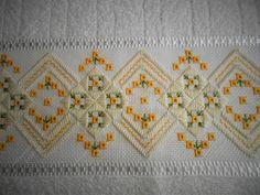 Bargello Needlepoint, Hardanger Embroidery, Hand Embroidery, Cross Stitch Designs, Blackwork, Needlework, Towel, Quilts, Blanket