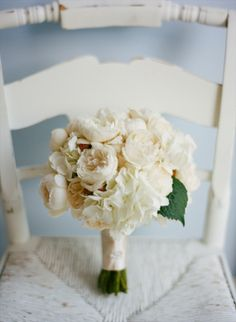 white garden roses and hydrangeas  (image by pure7studios via valley & co) - bridesmaids