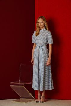 The complete Lela Rose Pre-Fall 2016 fashion show now on Vogue Runway. Lela Rose, Fall Fashion 2016, Fashion Show, Autumn Fashion, Fashion Outfits, Fashion Design, Day Dresses, Casual Dresses, Veronique Branquinho