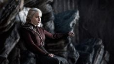 The best theories on who will kill Daenerys Targaryen, aka the Mad Queen, in the finale of 'Game of Thrones' Season Top contenders include Jon and Arya. Game Of Thrones Facts, Game Of Thrones Quotes, Game Of Thrones Funny, Emilia Clarke, Daenerys Targaryen Death, Narnia, Got Serie, Jon And Arya, The Mother Of Dragons