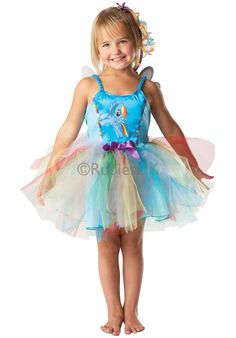 Your daughter will love dressing up in our Child My Little Pony Rainbow Dash Costume! This colourful outfit is perfect for fans of My Little Pony. Rainbow Dash Kostüm, Rainbow Pony, My Little Pony Rainbow, My Little Pony Costume, Little Pony Party, Rainbow Costumes, Fairy Fancy Dress, Pretty Costume, Book Week Costume