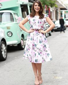 Para Mary Lovely Dresses, Modest Dresses, Summer Dresses, Modest Fashion, Girl Fashion, Fashion Dresses, Conservative Fashion, Sporty Outfits, Designer Dresses