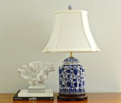 Vintage Chinoiserie Table Lamp Blue White Asian Chinese Lighting Palm Beach Chic Decor