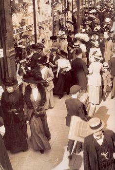 The London Sales - Retronaut