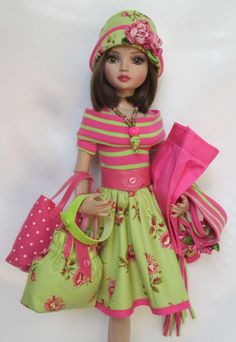 "ELLOWYNE'S ""ACCESSORIZE ME!"" WARDROBE WITH WALKING SHORTS & MULTIPLE PIECES, by ssdesigns via eBay, SOLD 6/13/15 BIN $79.99"