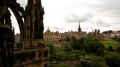 Edinburgh, city near Hogwarts Walter Scott Monument