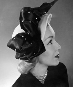 Model is wearing a cloche of powder-blue felt, trimmed with soft bows of white-dotted navy satin ribbon. 1940s Fashion, Fashion Models, Vintage Fashion, Style Fashion, Fashion Hats, Girl Fashion, 1940s Hats, 1930s, Mode Vintage