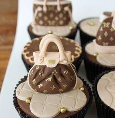 Louie Vuitton cupcakes!❤