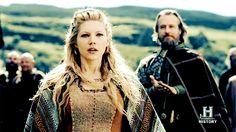 Lagertha in the new season 3 sneek peek. Lagertha Lothbrok, Shield Maiden, History Channel, Ragnar, Season 3, Vikings, Couple Photos, Movies, Fictional Characters